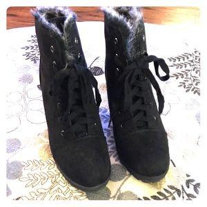 Shoedazzle Black Wedge Booties Sz 8.5